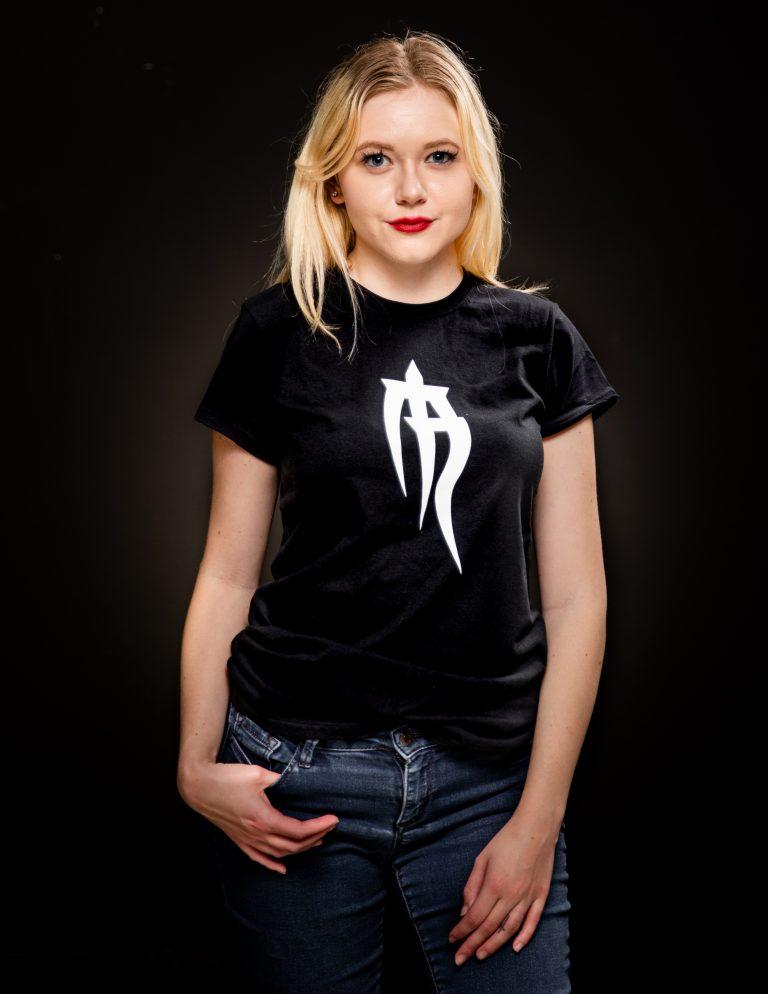 ladies basic logo t shirt