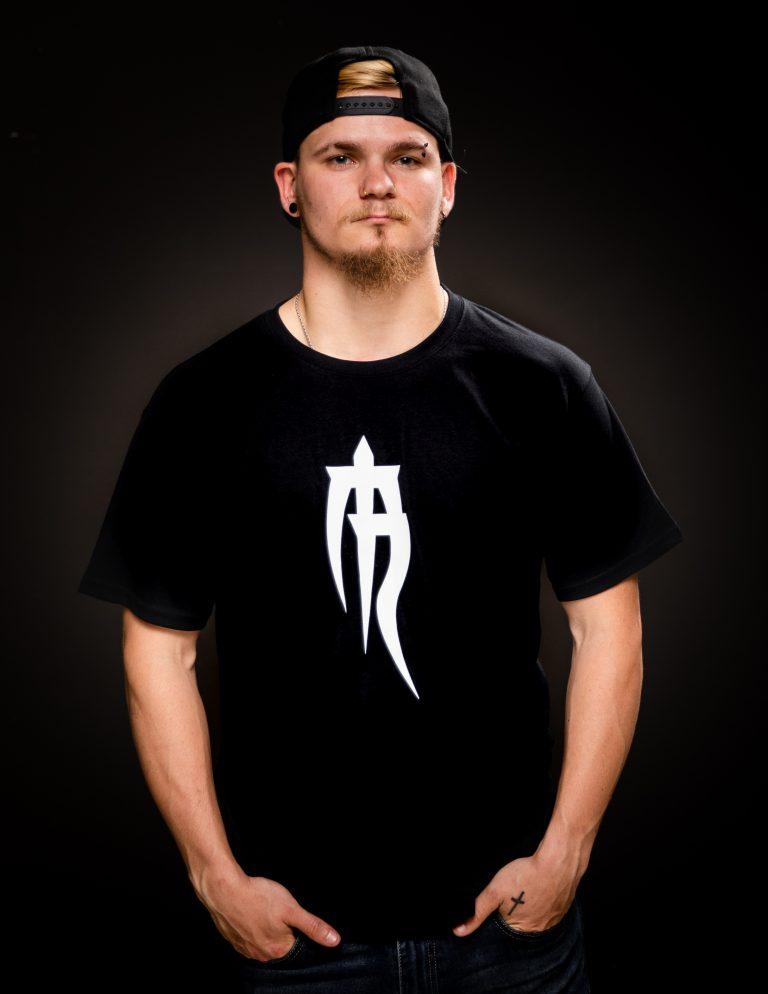 mens basic logo t shirt